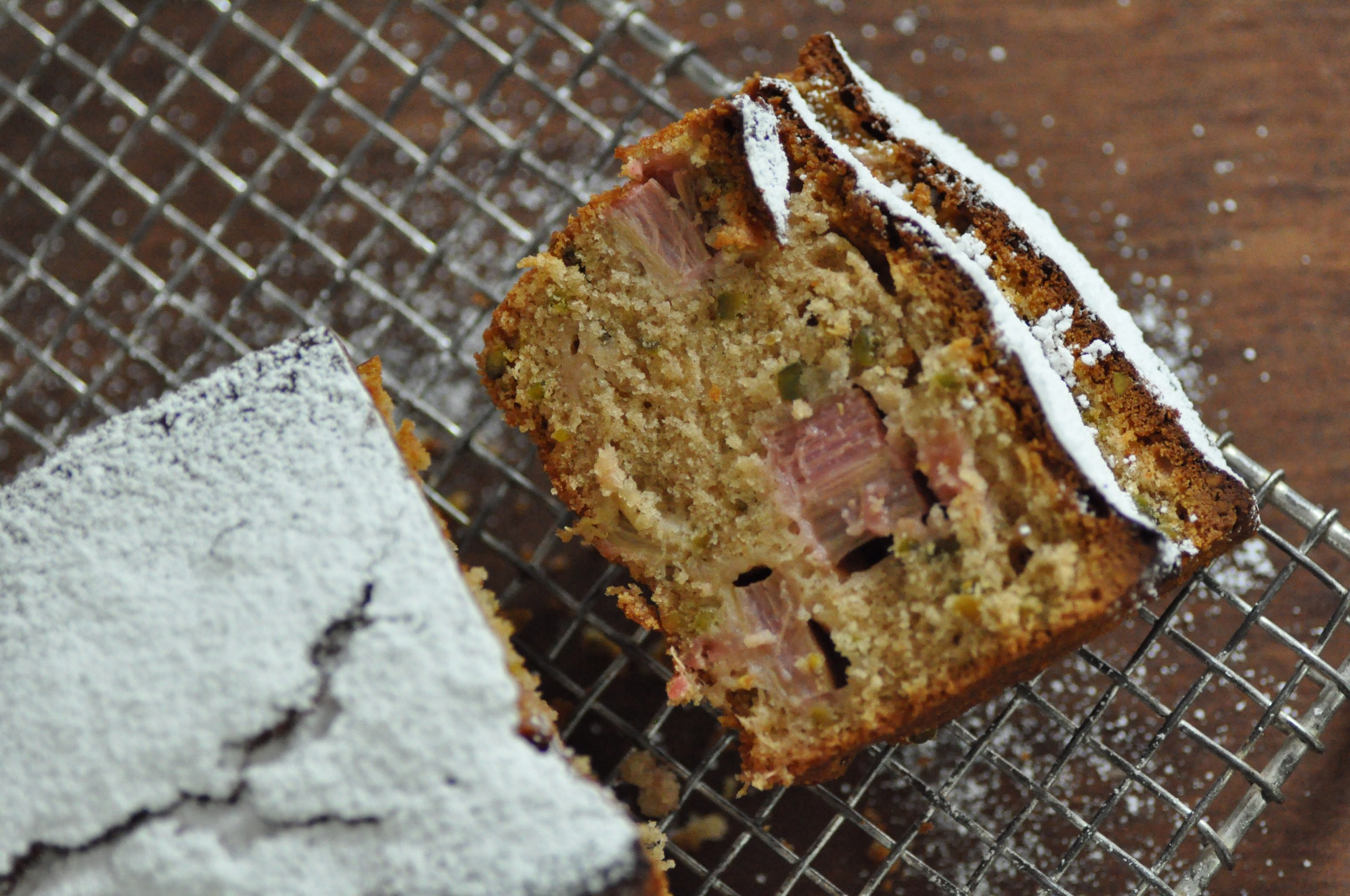 rhubarb cake with pistachios no2