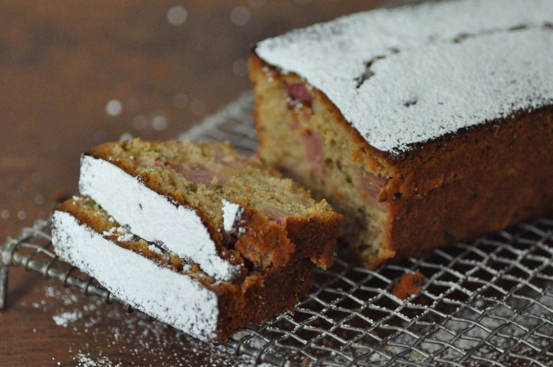 rhubarb cake with pistachios_bearbeitet-1