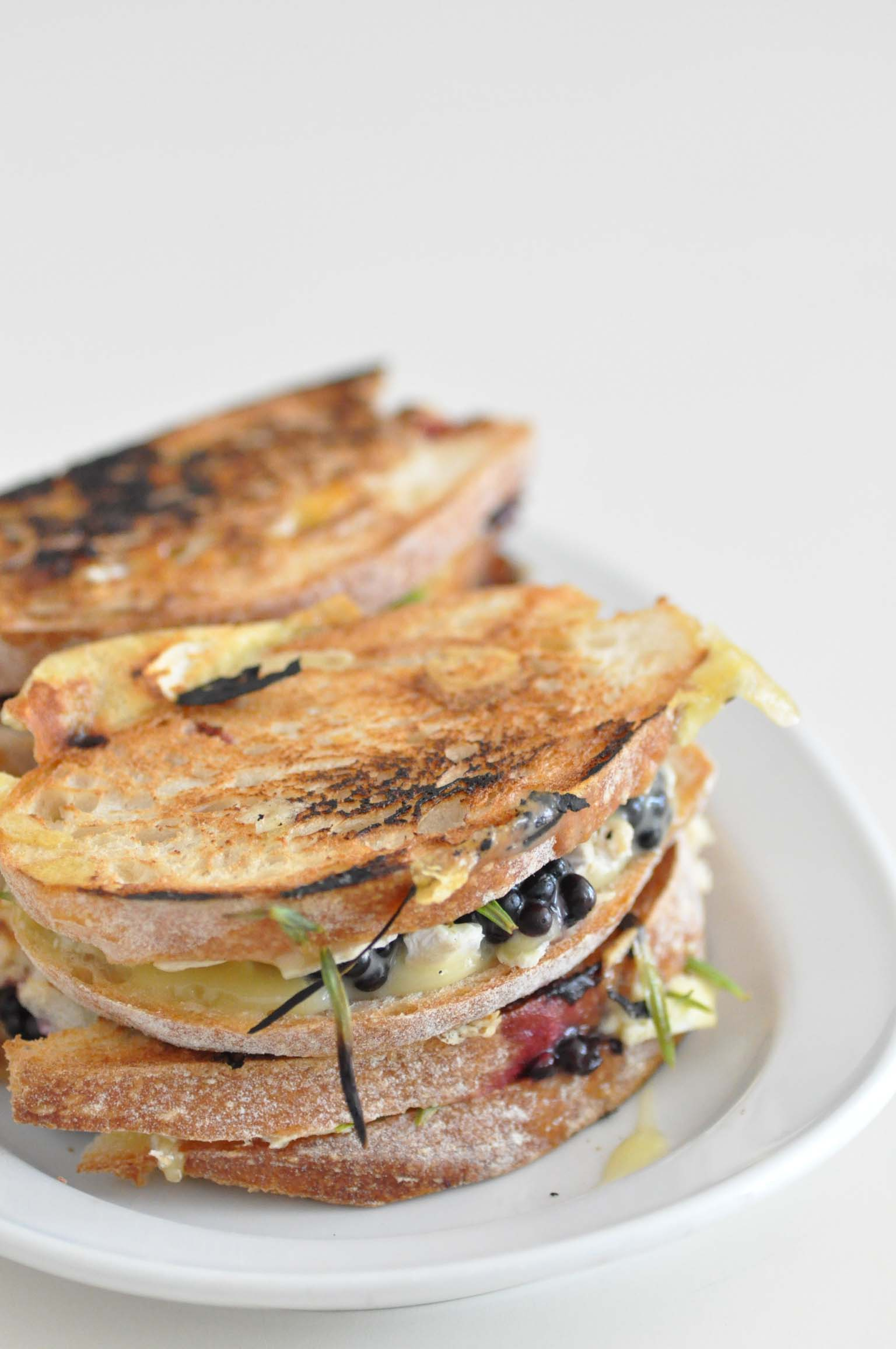 blackberry grilled cheese sandwich_bearbeitet-1